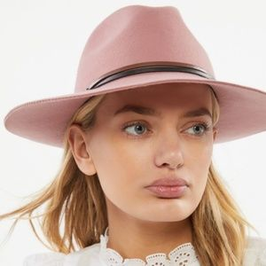 UO Two-Toned Felt Panama Hat